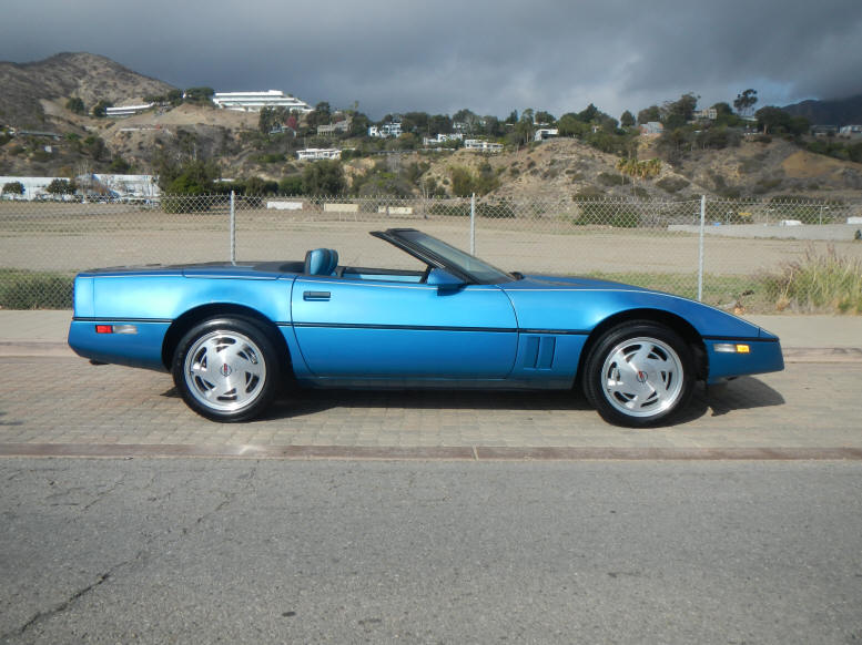 corvettes for sale collector car ads. Black Bedroom Furniture Sets. Home Design Ideas